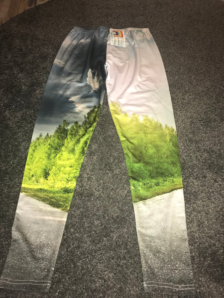 Road through forest print leggings Size -M