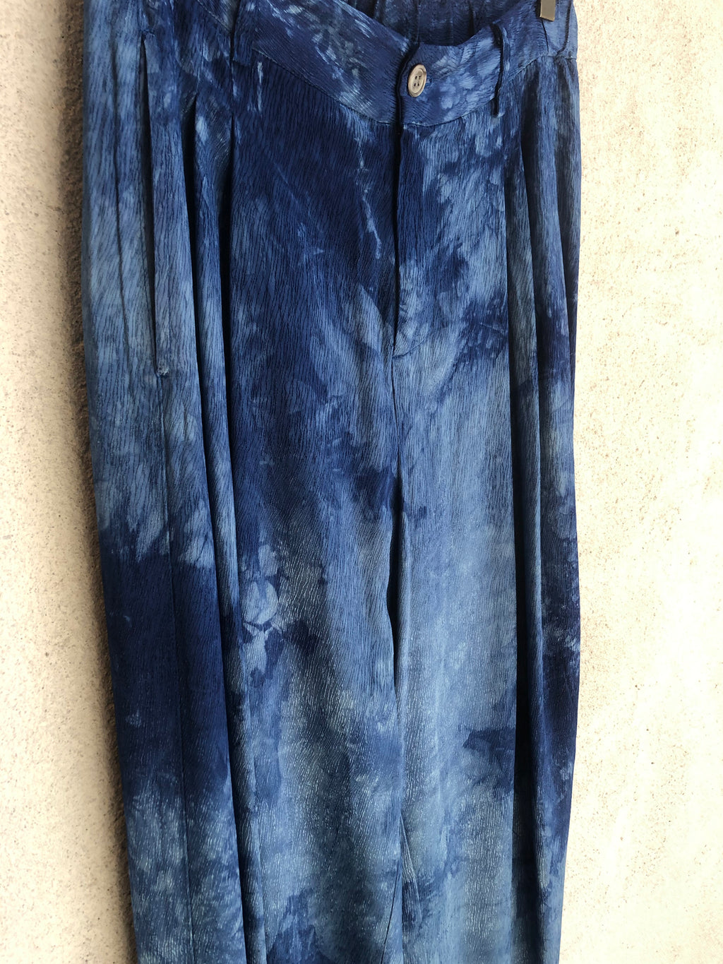 Blue Tie Dye Ripple Satin Pleated Pant