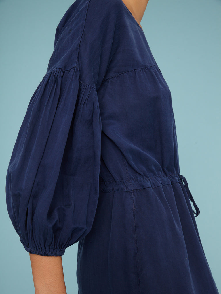 products/Y01-8292_Navy_Silk_Cotton_Sateen_Bell_Sleeve_Dress__0651.jpg