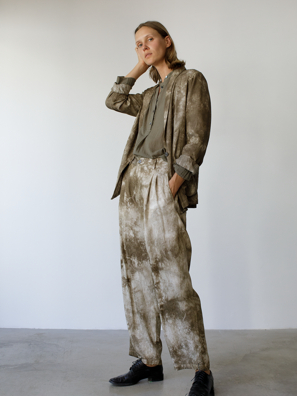 Army Tie Dye Ripple Satin Pleated Pant