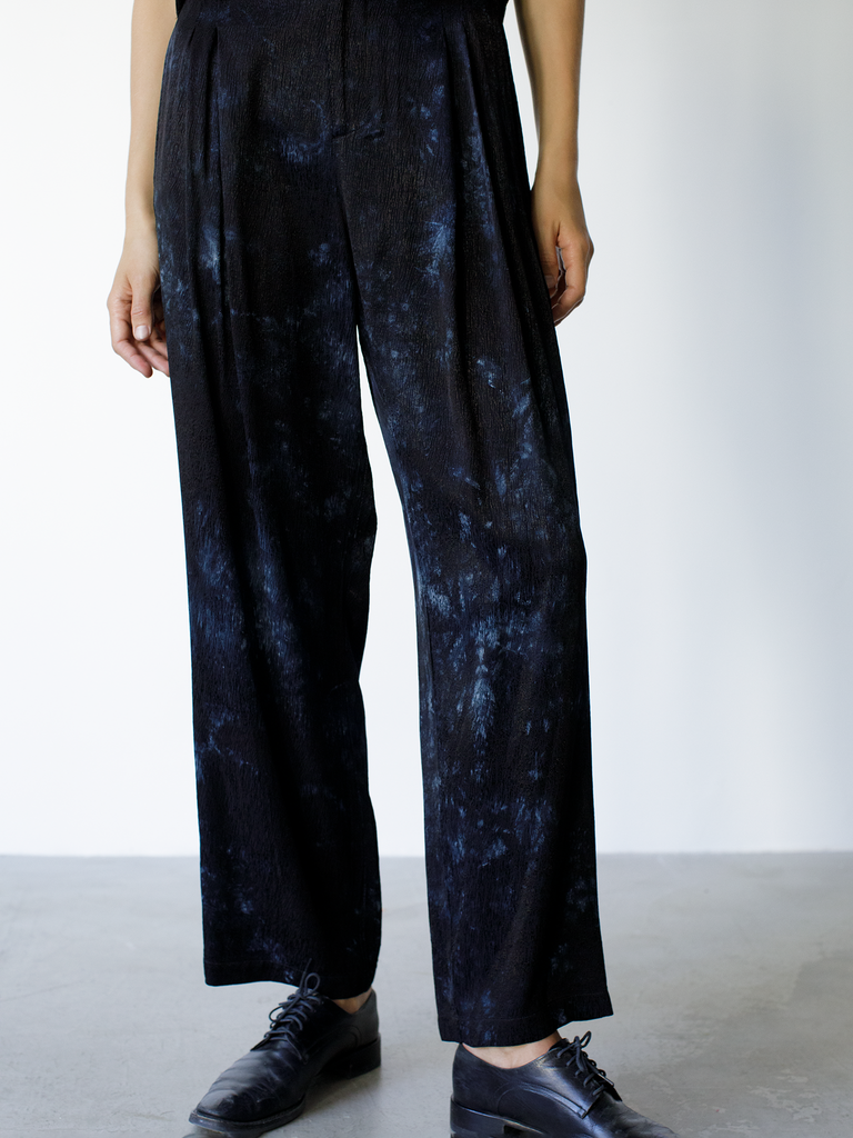 Black Tie Dye Ripple Satin Pleated Pant