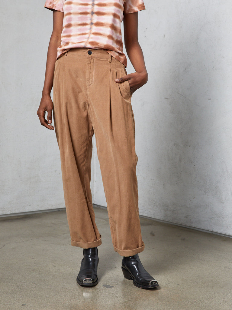 Camel Light Corduroy Pleated Pant