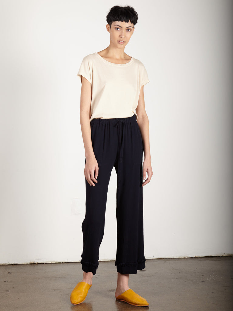 NAVY CREPE CROPPED FLARE PANT