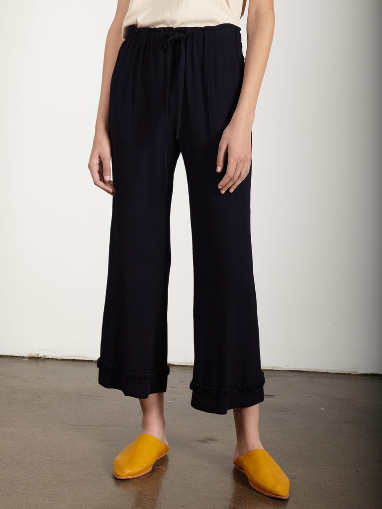 products/Y77-6503_CREPE_Cropped_Flare_Pant_NVYRA_PS17_ECOM2908.jpg