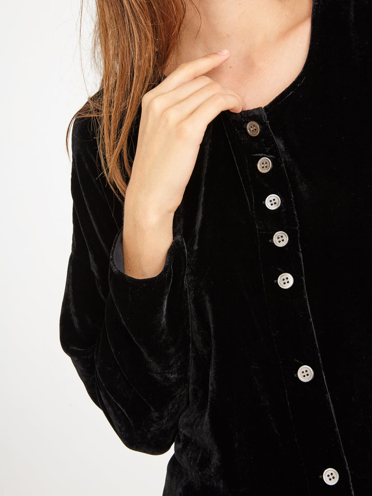 products/Y86-6961_Velvet_Button_Up_Black_1662.jpg