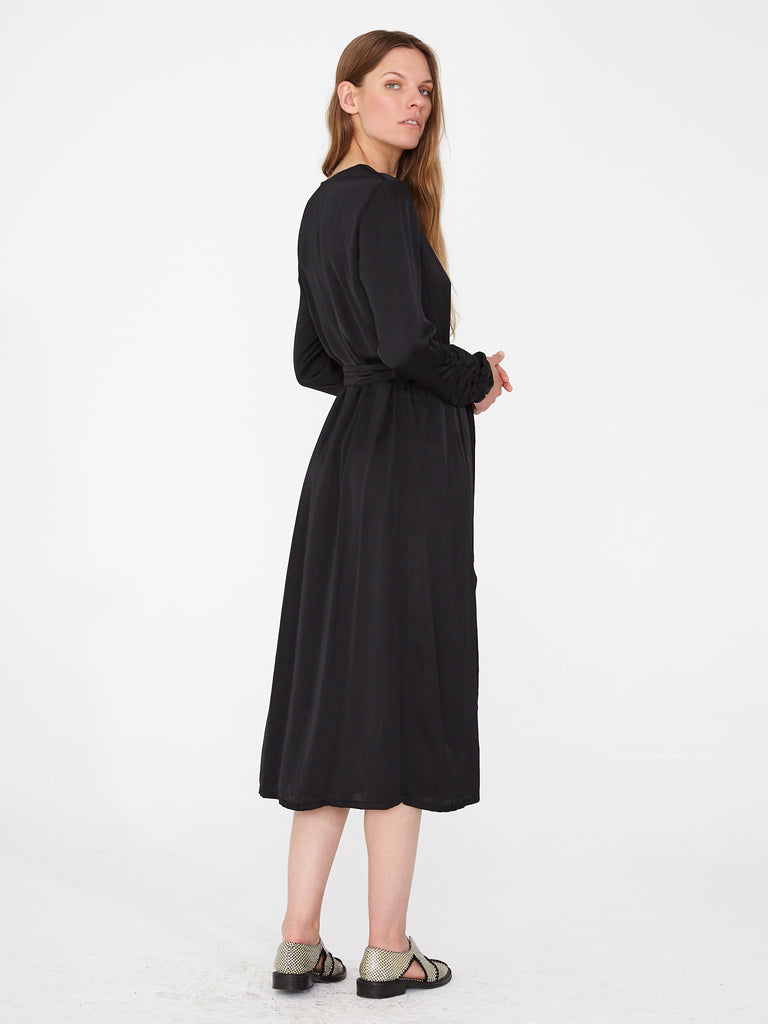 products/Y93-8108_Matte_Satin_Gather_Sleeve_Dress_Black_1001.jpg