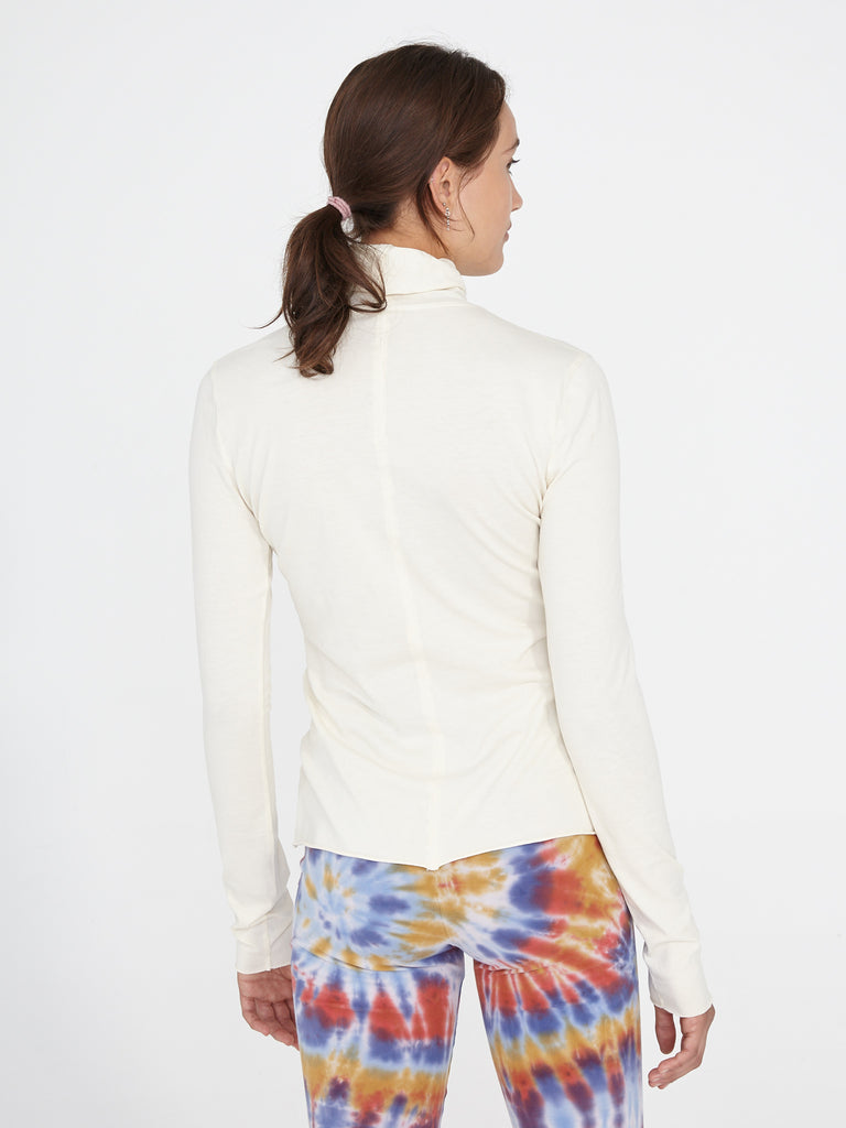 products/Y96-4010_Jersey_Turtleneck_Cream_1069.jpg
