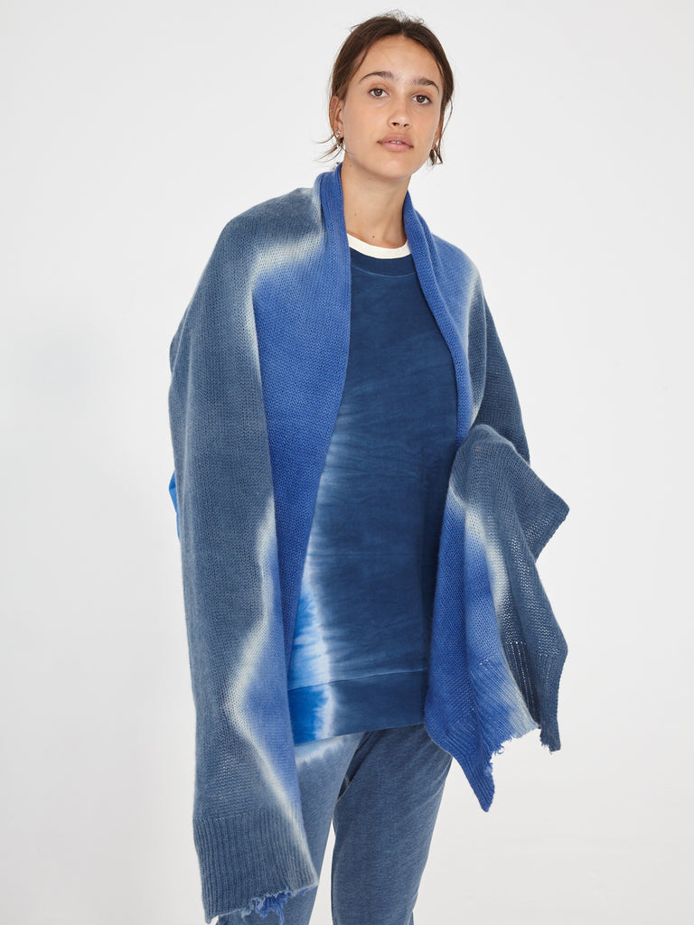 products/Y96-8186TD_Cashmere_Oversize_Shawl_Sky_1778.jpg