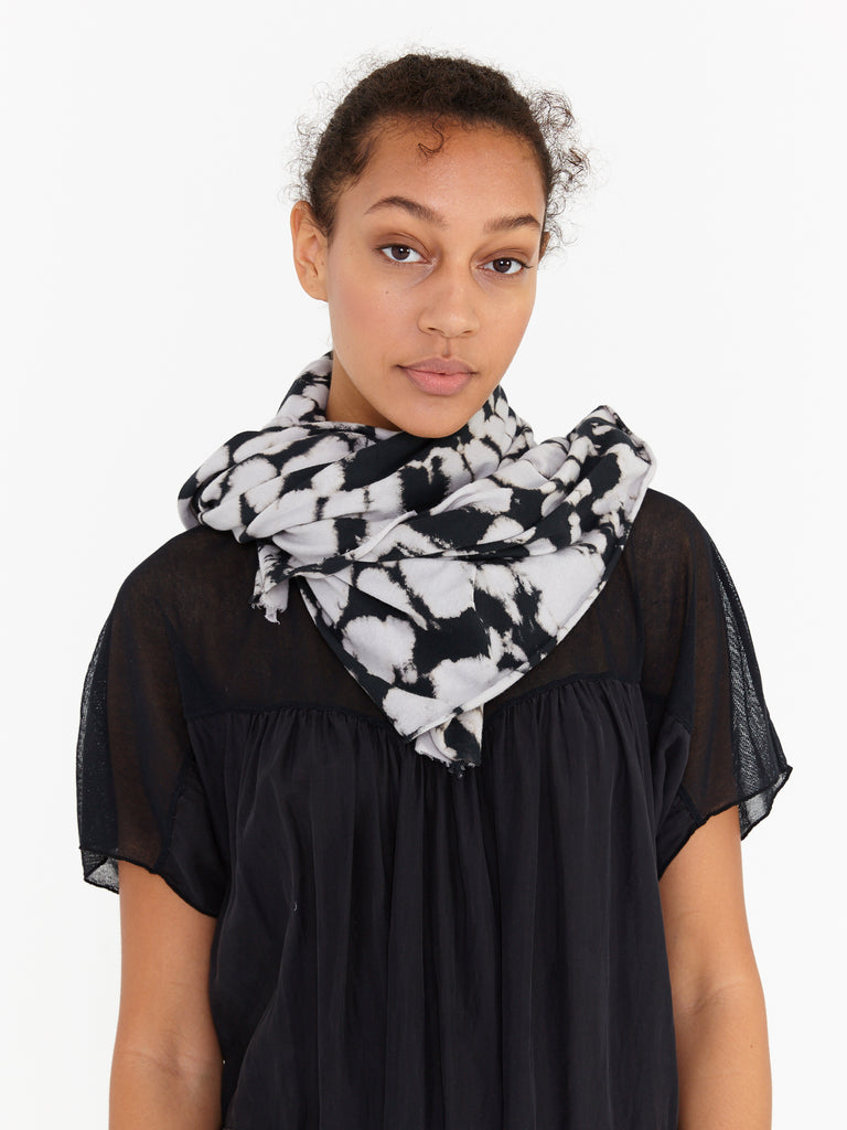 products/Y97-1741_Jersey_Scarf_Black_0090.jpg