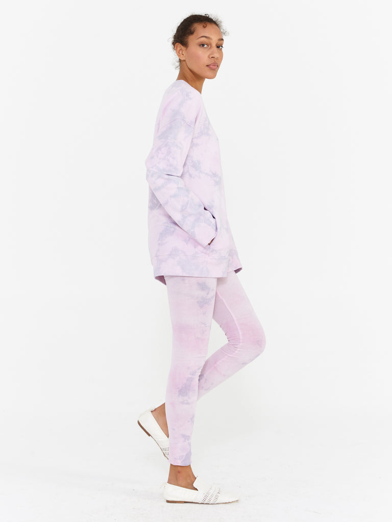 products/Y97-3945TD_Fleece_Tie_Dye_Oversize_Sweatshirt_Lavender_2594.jpg
