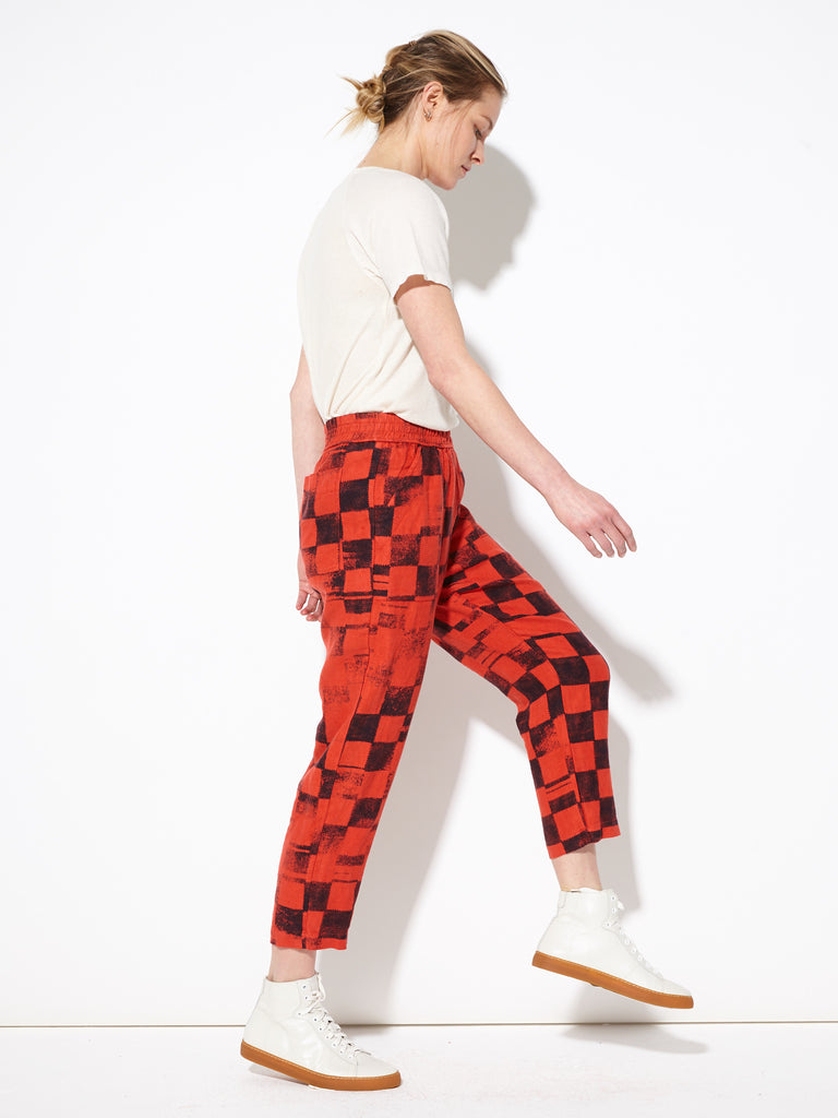 products/Z82_6863_Pull_on_Pant_Ruby_Checker_1777.jpg