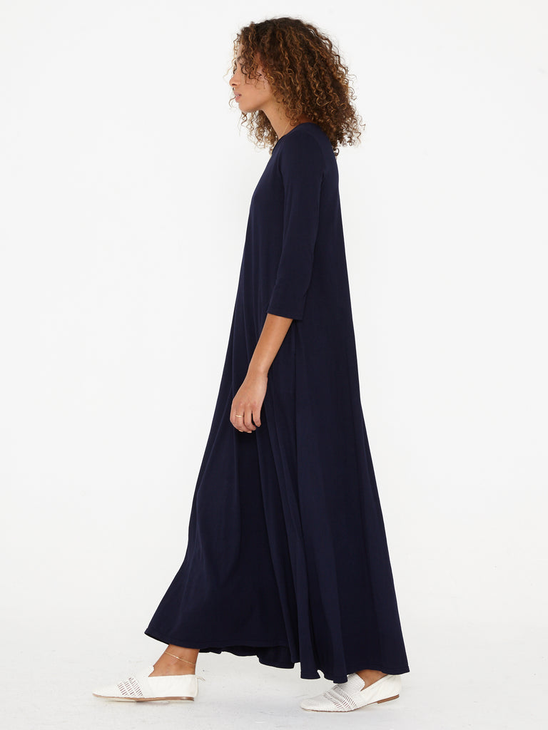 products/Z85-3922_Sueded_Baby_Jersey_Drama_Maxi_Navy_1630.jpg