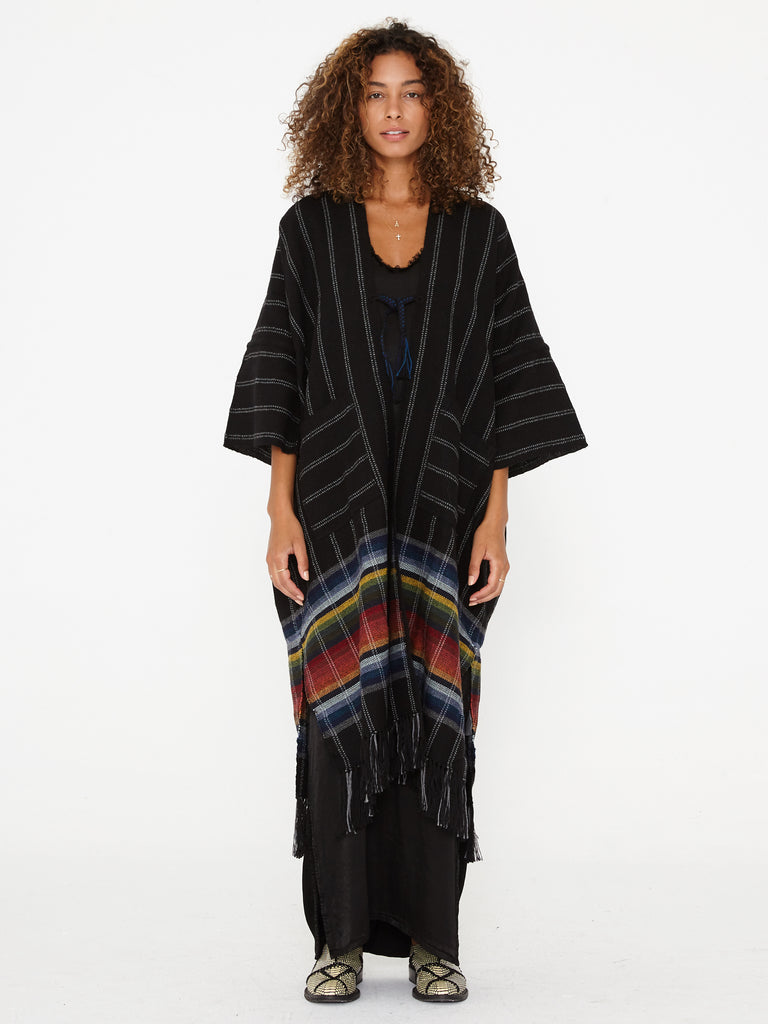 products/Z85-6908_Peruvian_Weaves_Maxi_Poncho_Black_1525.jpg