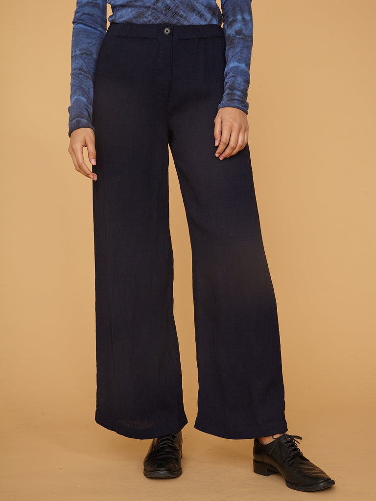 products/Z97-8228_Pleated_Rayon_Kate_Pant_French_Navy_1917.jpg