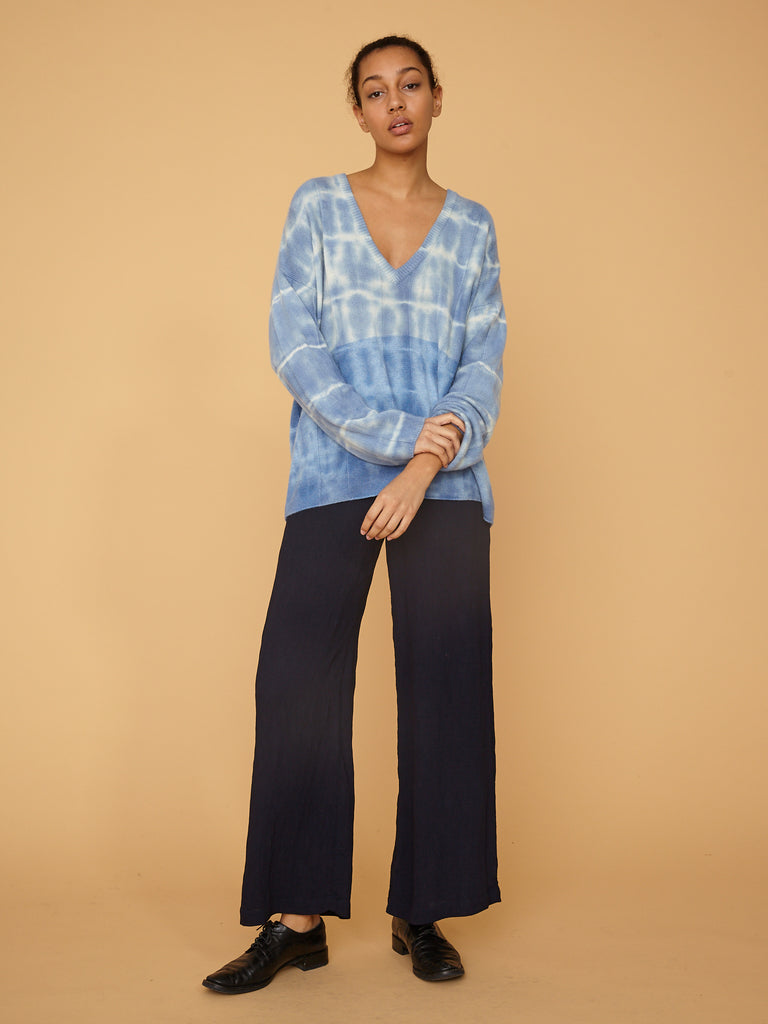 products/Z97-8232TD_Cashmere_Boxy_V_Neck_Blue_Stripe_2064.jpg