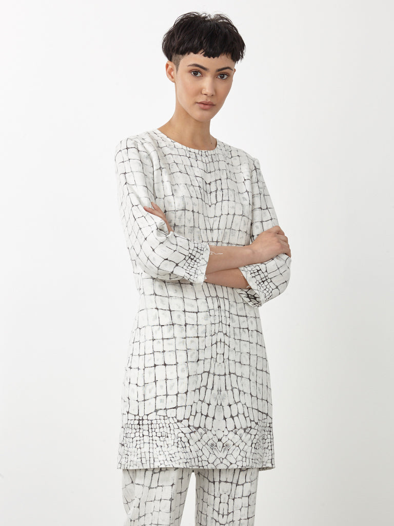 products/y71-6584p_Bleached_Gator_Linen_Shift_Dress803.jpg