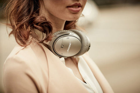 Noise cancelling headphones from Bose