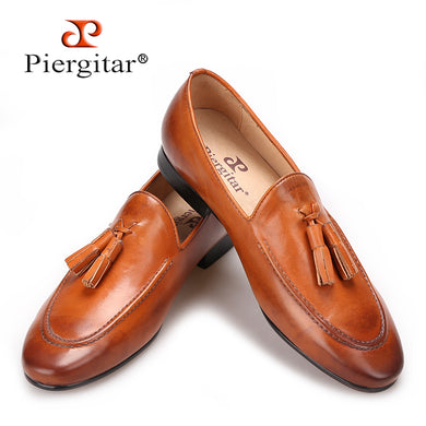 Piergitar Two colors men genuine leather shoes with leather tassel men handmade slippers wedding and party men loafers