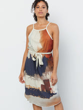 Load image into Gallery viewer, go swing shift dress print