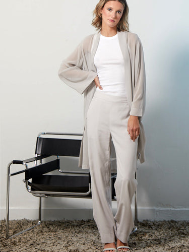 Go easy pant - Machine washable easy leg pull on style silk pants with flat front waist and full back elastic waist that sits just below the natural waistline at a 10 and a half inch rise. It also features front slit pockets and a 30 inch inseam.