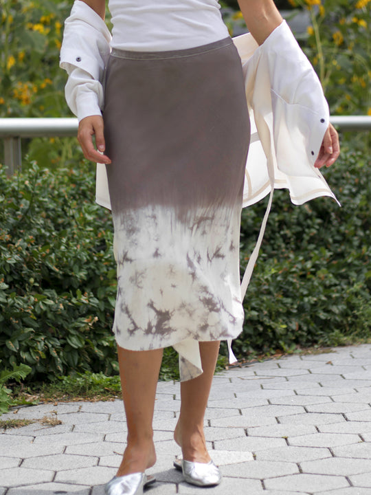 Go shirttail it outta here skirt print 3 - Machine washable pull on boho-inspired silk midi skirt with high low baseball raw edge hem, a velvet elastic waistband at a mid-calf length. This item features a faded to maroon white marble exclusive print design.