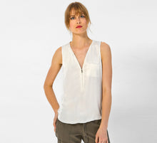 Load image into Gallery viewer, ICONIC go zippy tank luxe