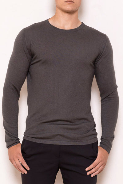 Classic roundneck sweater tar