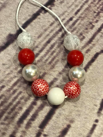 Red heart/lace Chunky Bubblegum Necklace