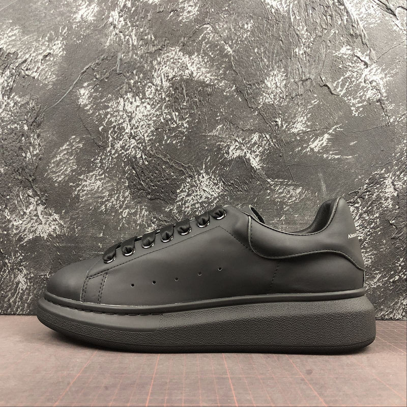 """Alexander McQueen ""Leather""  Total Black - Hype Aparell"