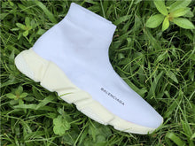 "Carica l'immagine nel visualizzatore di Gallery, Balenciaga ""Speed Trainer Knit"" Total White - Luxury Aparell"