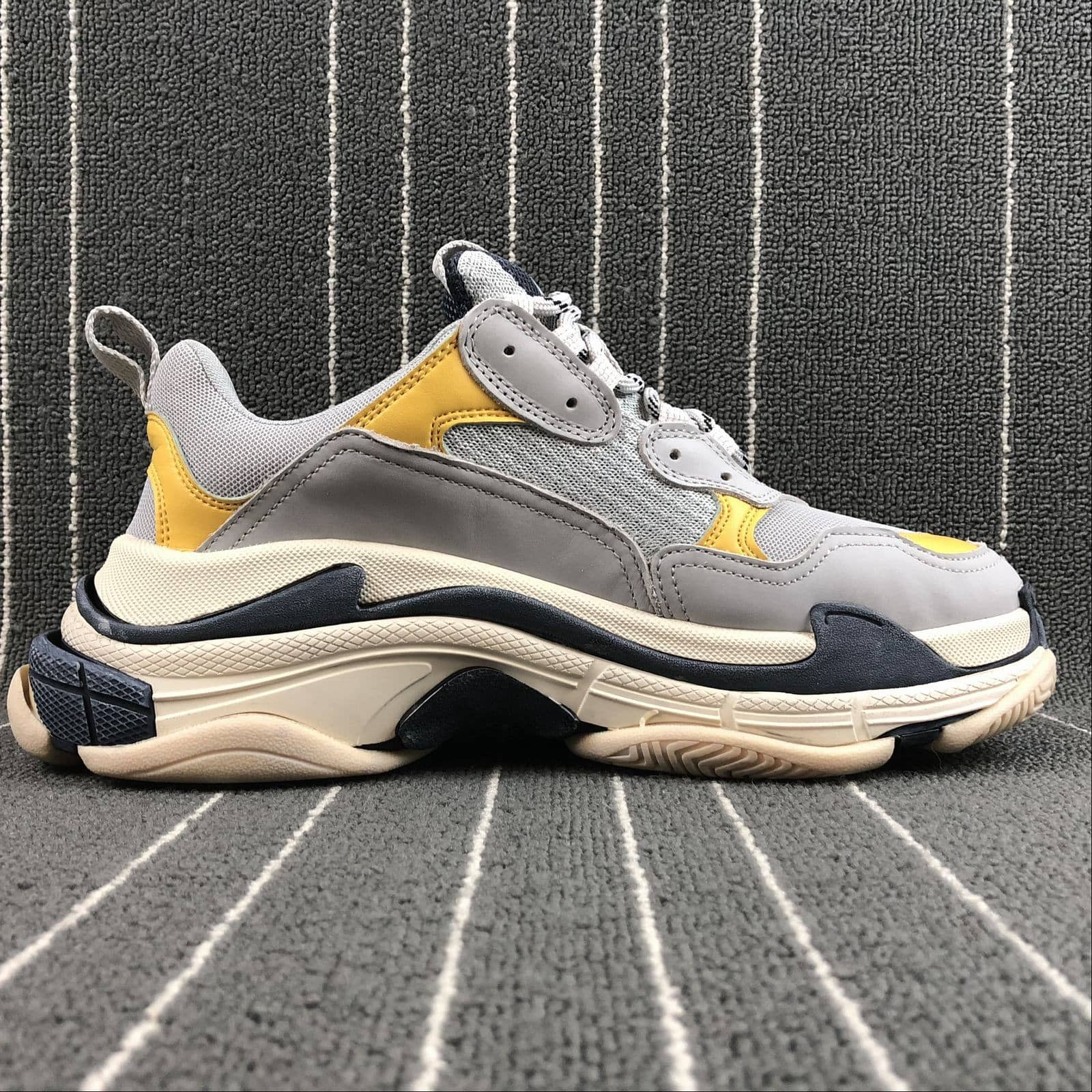 "Balenciaga ""Triple S"" Yellow/White - Hype Aparell"