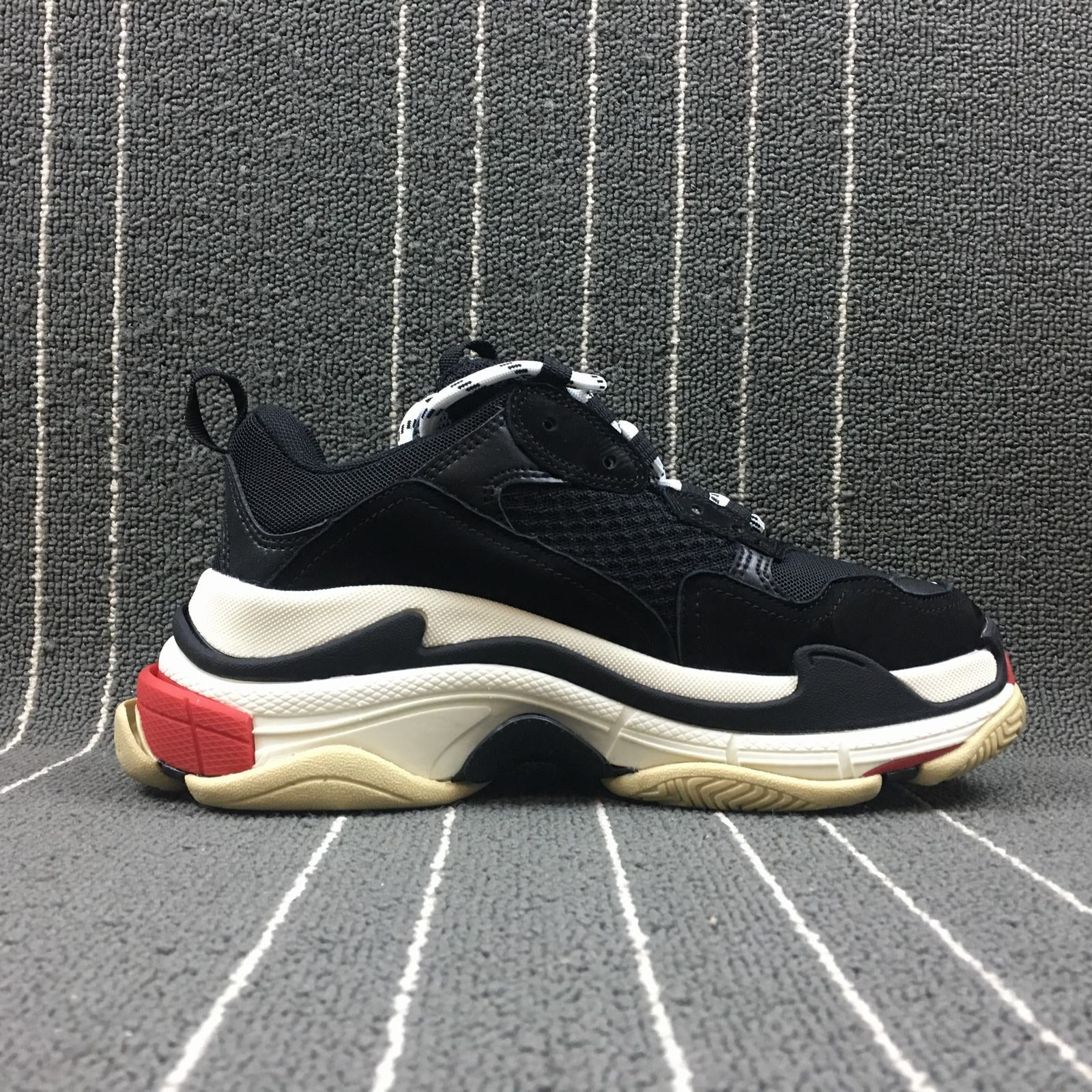 "Balenciaga ""Triple S"" Black/Red - Hype Aparell"