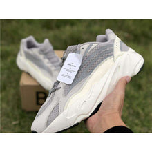 "Carica l'immagine nel visualizzatore di Gallery, Kanye West x Adidas Yeezy 700 ""Static"" - Luxury Aparell"