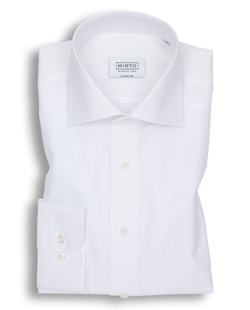 WHITE SPREAD-COLLAR DRESS SHIRT