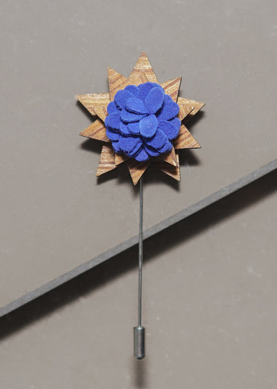 WOODEN FLOWER LAPEL PIN (BLUE)