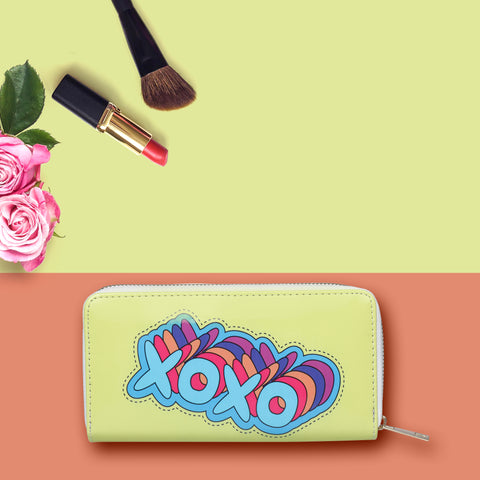 XOXO print zipper wallet / Clutch