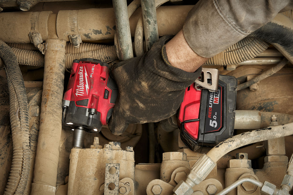Milwaukee M18 FIW2F38-0X ⅜″ mutterinväännin 339 Nm