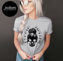 Load image into Gallery viewer, Mommin' Skull Tee