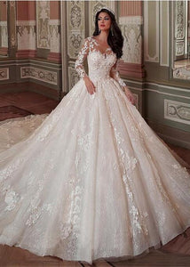 Fantastic Tulle Lace Scoop Neckline Ball Gown Wedding Dress Lace Appliques