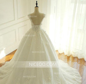 A Line V Neck Sleeveless White Lace Wedding Dresses Best Bride Gown With Appliques - NICEOO