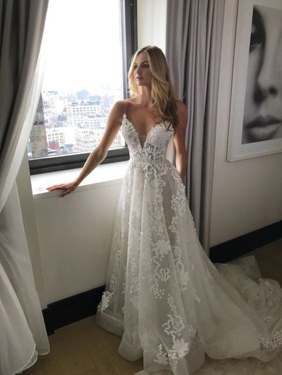 White Spaghetti Strap V Neck Open Back Lace Wedding Dresses Prom