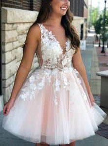 Cute V Neck Strap Mini Tulle Homecoming Dresses Cocktail Dresses With Appliques - NICEOO