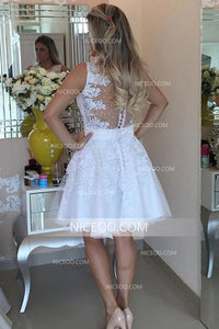White V Neck Sleeveless Lace Knee Length Homecoming Dresses Cocktail Dresses