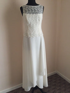Simple White Slim Line Round Neck Sleeveless Beach Wedding Dresses