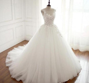 Gorgeous A-line Lace up Back Train bridal gwon Round Neck wedding dresses