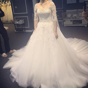 Elegant Half Sleeves V Neck lace appliques wedding dresses