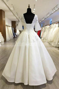 Elegant V-neck lace appliques Bride Wedding Gown with Trumpet Sleeves