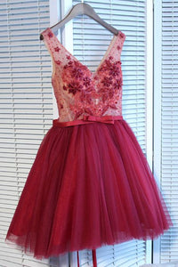 A Line V Neck Strap Knee Length Homecoming Dresses Best Cocktail Dresses With Appliques - NICEOO