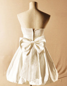 Short Cute Ivory Strapless Open Back Bridesmaid Dresses Satin Prom Dresses With Bowknot - NICEOO