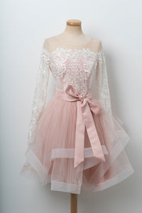 Pink Round Neck Long Sleeves Homecoming Dresses Lace Cocktail Dresses With Bow - NICEOO